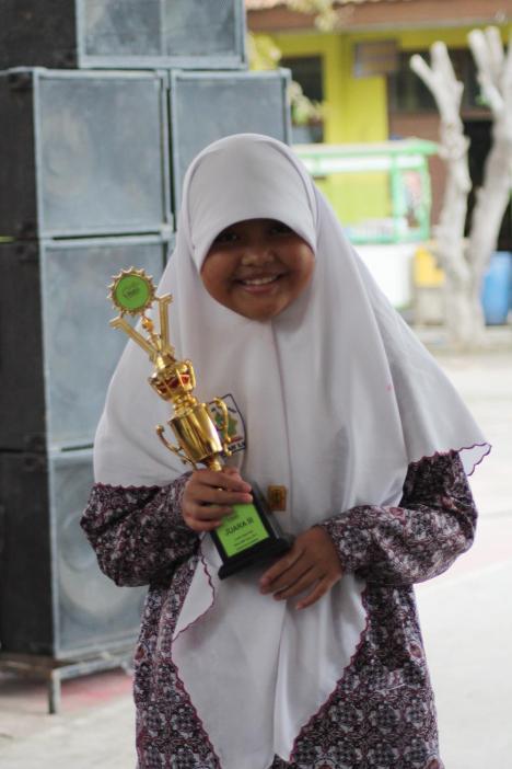 Aulia Khoerunnisa Kelas VII Maryam Cipta Puisi 3